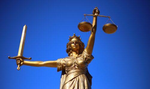 Nesuďte, a nebudete souzeni, nezavrhujte, a nebudete zavrženi