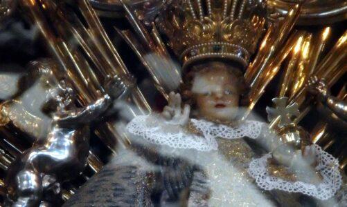 K Pražskému Jezulátku lze přijít denně. Modlitba a meditace s karmelitány online