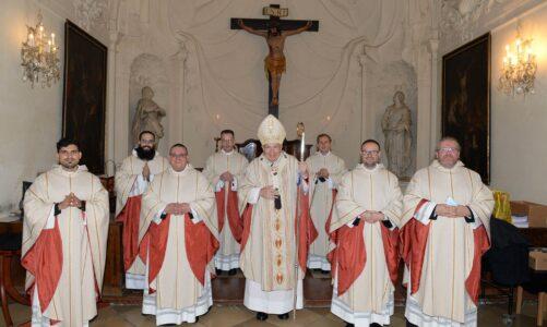Mezi sedmi novokněžími vysvětil vídeňský kardinál Christoph Schönborn rodáka z Bruntálu
