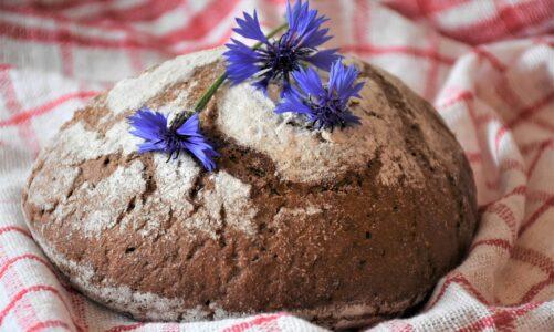 Domácí špaldový chléb podle sv. Hildegardy z Bingenu