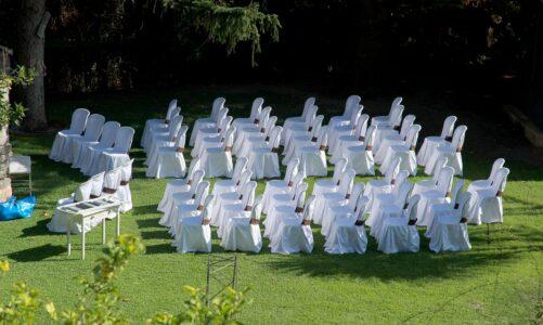 Všechno je připraveno, pojďte na svatbu!