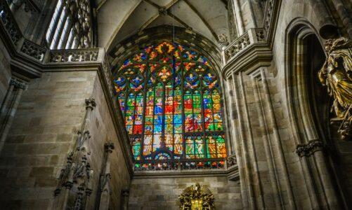 S Pražským hradem se zavřela také katedrála. Dovnitř jen virtuálně nebo na online mši