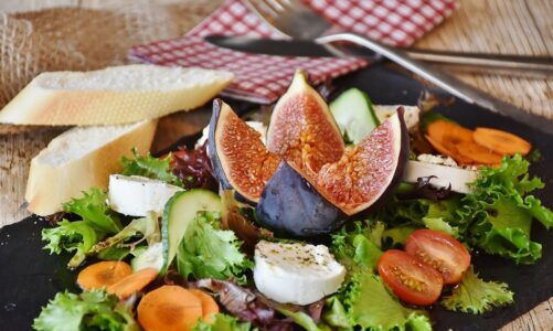 Jeden farizeus pozval Ježíše k jídlu