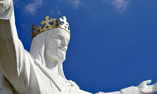 Nejvyšší sochu Krista Krále na světě mají v Polsku. Postavena byla před 10 lety