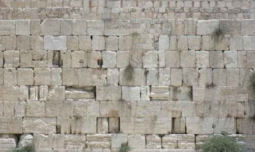 Z toho, co vidíte, nezůstane kámen na kameni