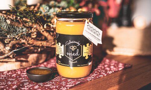 """Znáte všechny druhy medu? Květový, lesní, řepkový a """"salesiánský"""" z Českých Budějovic"""