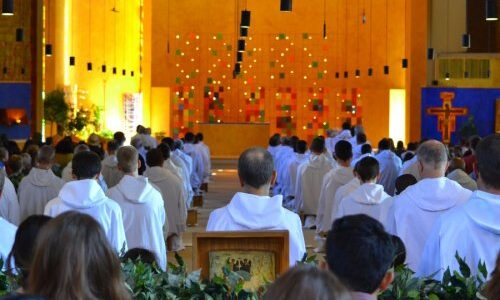 Evropské setkání mladých v Taizé začalo. Účastníci se modlí a sdílí s ostatními online