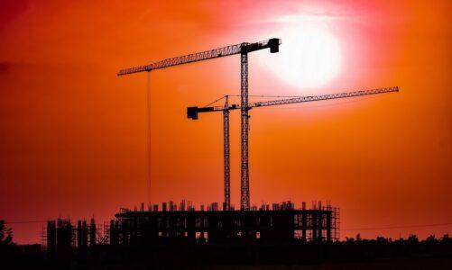 Když někdo chce stavět věž, nesedne si napřed a nespočítá náklady?