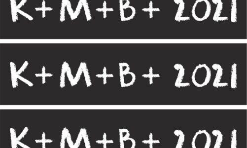 Tříkrálové požehnání K+M+B + 2021 lze stáhnout z internetu. Samolepky jako příloha Katolického týdeníku