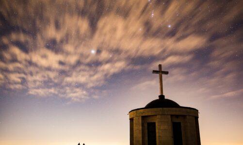 Dva lidé šli do chrámu, aby se modlili; jeden byl farizeus a druhý celník