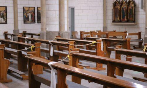 Na Slovensku se letos poprvé otevřely kostely. Zavřené byly od 1. ledna 2021