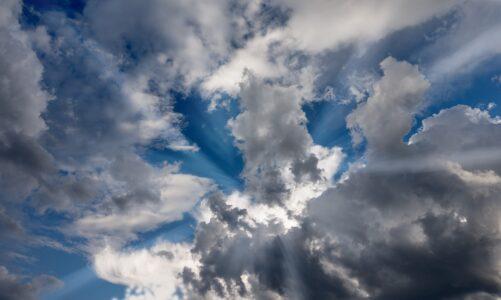Pozdvihl oči k nebi a modlil se
