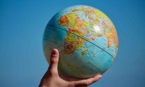 Co svážeš na zemi, bude svázáno na nebi, a co rozvážeš na zemi, bude rozvázáno na nebi