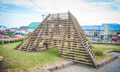 Na opravu kostela zničeného tornádem věnuje olomoucké arcibiskupství dřevo ze svých lesů