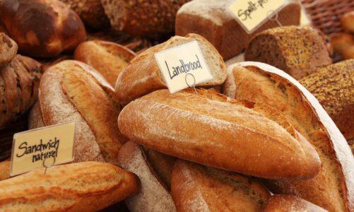 Kde nakoupíme chleba, aby se ti lidé najedli?