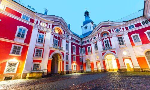 Klášter Broumov zahájil noční prohlídky a noční hrané prohlídky. Průvodcem bude historická postava Aloise Jiráska