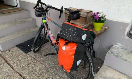 3000 km v sedle bicyklu. Svatojakubská cesta z Prahy do Santiaga pro hodonínský stacionář Vlaštovka